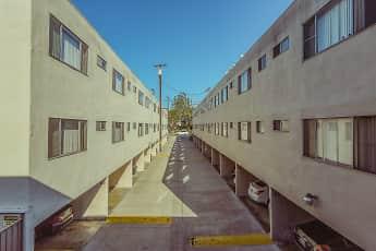 Building, Commodore, 1
