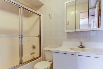 Bathroom, Seaview Apartments, 2