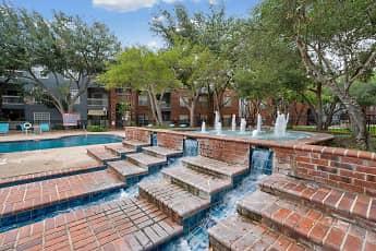 Pool, Quarry Alamo Heights, 1