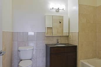 Bathroom, Skyline Tower, 2