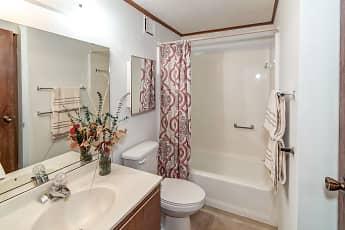 Bathroom, Oakland Hills Villas On The Lake, 2