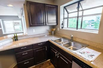 Kitchen, Miramont, 1