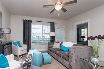 Living Room, Cresthaven, 2