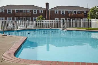 Pool, Ridgefield Apartments, 2