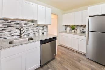 Kitchen, Short Hills Village Apartment Homes, 1