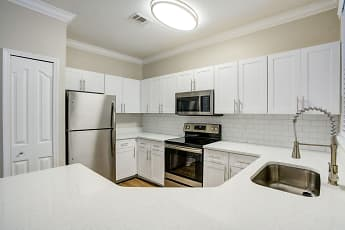 Kitchen, Amara At Metrowest, 0
