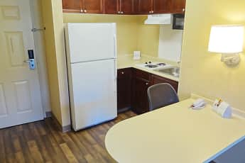 Kitchen, Furnished Studio - Atlanta - Marietta - Interstate N. Pkwy, 1