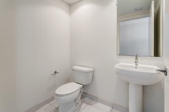 Bathroom, Oasis Grand, 2
