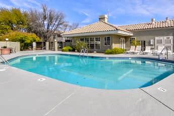 Pool, Le Mirage, 0