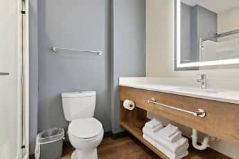 Bathroom, Furnished Studio-Colonial Heights-Fort Lee, 2