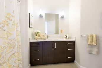 Bathroom, Cottonwood One Upland, 2