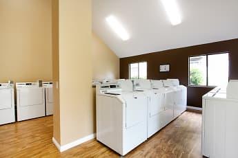 Crossbrook Apartments, 2