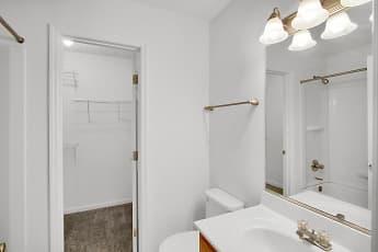 Bathroom, Aberdine Place, 2