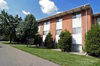 Building, Woodlawn Park Apartments, 0