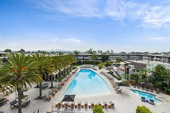 Pool, Eight 80 Newport Beach, 1