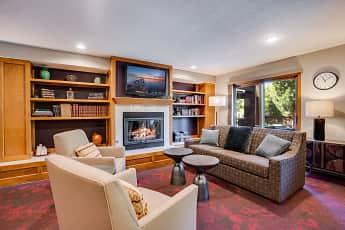 Living Room, Washburn On The Park, 2