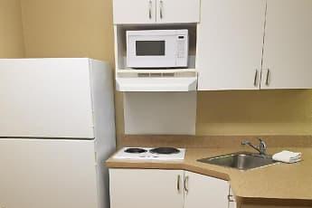 Kitchen, Furnished Studio - Roanoke - Airport, 1