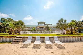 Recreation Area, Landings of Pensacola Condominiums, 1