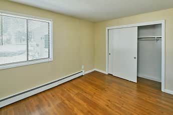 Bedroom, Yarmouth Pointe, 1