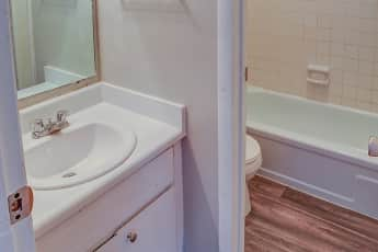 Bathroom, Treeside Park, 2