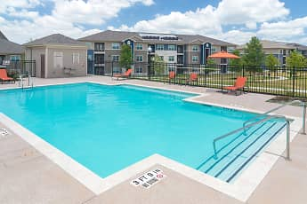 Pool, The Pointe at Crestmont, 0