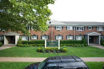 Fairfield Manor, 2