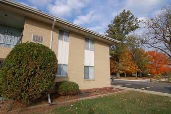 Building, Colonial Crest Apartments Gas City, 0