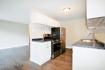 Kitchen, 404 Rivertowne Apartment Homes, 0