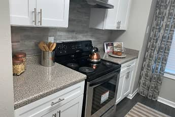 Kitchen, Elite at City View, 0