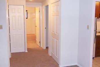 Poplar Apartments, 2