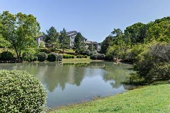 Lake, Mill Creek Run Apartments, 0