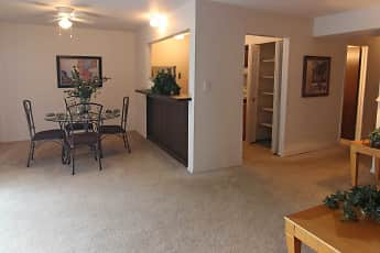 Dining Room, Woodcrest Apartments, 1