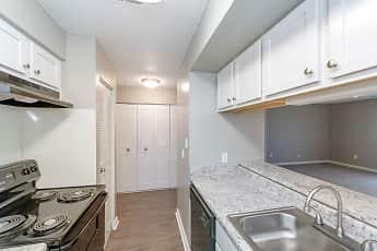 Kitchen, Pebble Point Apartments of Indianapolis, 0