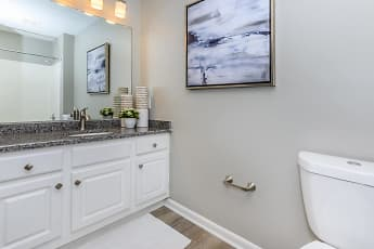 Bathroom, Waterford Nevillewood, 2