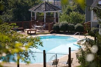 Pool, The Greens at Chestnut Ridge, 0