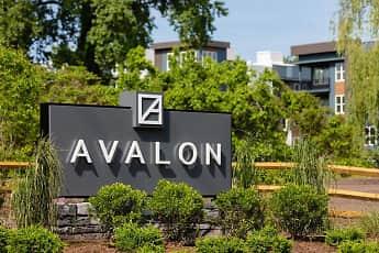 Community Signage, Avalon Teaneck, 2
