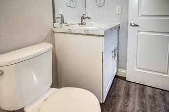 Bathroom, Serenity Creek, 2