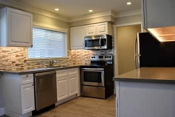 Kitchen, Americana La Crescenta, 2