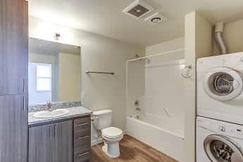 Bathroom, Parkside Lofts, 2