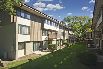 Building, Woodland Court Apartments, 0