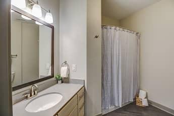 Bathroom, RiverHaus, 2