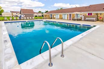 Pool, Twyckenham Apartments, 2