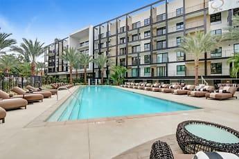 Pool, Zen Hollywood, 1