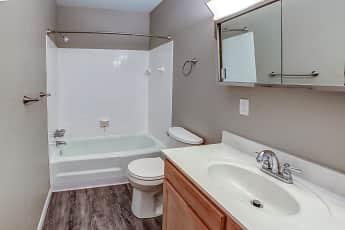 Bathroom, Riviera Apartments, 2