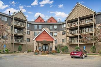 Woodridge Apartments, 2