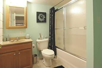 Bathroom, Hudson Harbour Apartments, 2