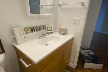 Bathroom, Springbrook, 2