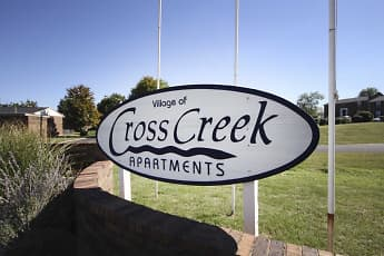 Leasing Office, Village of Cross Creek, 2