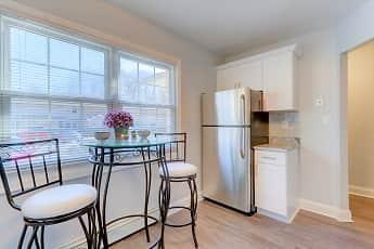 Kitchen, Eagle Rock Apartments At Woodbury, 1