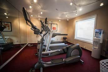 Fitness Weight Room, The Glen Luxury Town Homes, 2